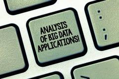 Scrittura della nota che mostra analisi delle applicazioni di Big Data Foto di affari che montra i apps moderni di tecnologie del immagini stock
