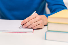 Scrittura dello studente. Fotografia Stock Libera da Diritti