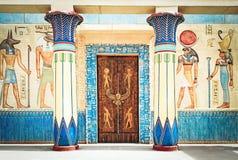 Scrittura egiziana antica sulla pietra nell'Egitto Immagini Stock