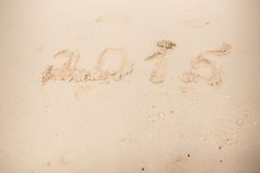 2015 scrivono sulla sabbia bianca Fotografie Stock Libere da Diritti