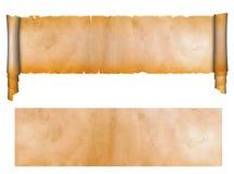 Scroll och ark av gammalt papper. Arkivbilder