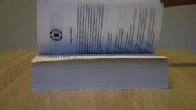 Scrolling przez książki zbiory