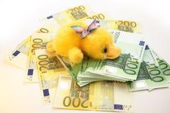 Scrooge e euro- notas de banco Imagem de Stock