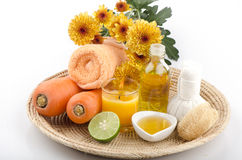 Scrub carrots, honey, olive oil for sensitive skin, add lemon spa treatments Royalty Free Stock Photos