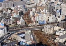 Scruti il Giappone Architettura del Giappone vista della città dal tetto di un grattacielo Immagini Stock