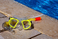 Scuba mask and swimming pool Stock Photography