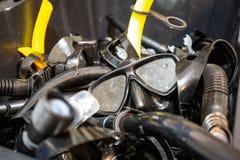 Scuba-uitrusting en het snorkelende het duiken materiaal van het maskerstoestel royalty-vrije stock fotografie