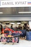 Scuderia Toro Rosso mecánicos Boxeo Daniel Kvyat Fotos de archivo