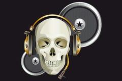 Scull DJ met hoofdtelefoons stock afbeeldingen