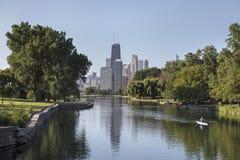 Sculler på lagun nära i stadens centrum Chicago Royaltyfri Foto