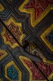 Sculpted drzwiowa i drzwiowa rękojeść w Alcazar Sevilla Zdjęcia Royalty Free