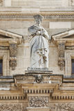 Sculptez au musée de Louvre, Paris, France image stock