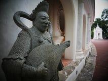 Sculptez les dieux chinois les arts visuels dans Phra Pathommachedi un stupa en Thaïlande images libres de droits