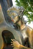 Sculptez Romance avec la contrebasse à Taganrog, Russie Photographie stock libre de droits