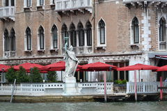 Sculptor in Venice. Old sculptor and building in Venice Stock Photography