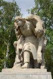 Sculptura που αφιερώνεται στις ηρωικές πράξεις των γυναικών κατά τη διάρκεια του πολέμου στο τετράγωνο των ηρώων Mamayev Kurgan σ Στοκ Φωτογραφία