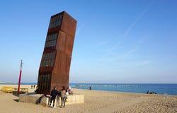 Sculpture à la plage de barceloneta photos libres de droits
