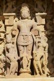 Sculpture érotique au temple de Vishvanatha aux temples occidentaux de Khajuraho dans Madhya Pradesh, Inde image stock