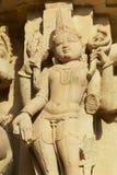 Sculpture érotique au temple de Vishvanatha aux temples occidentaux de Khajuraho dans Madhya Pradesh, Inde image libre de droits