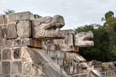 Sculpture antique chez Chichen Itza, Yucatan, Mexique Images libres de droits