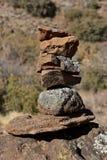 Sculpture avec les roches empilées Photo stock
