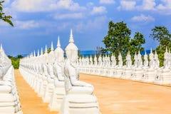 Sculpture blanche en statue ou en Bouddha d'ange Images libres de droits