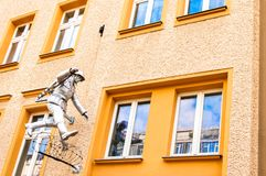 Sculpture called the Mauerspringer in Berlin Royalty Free Stock Images