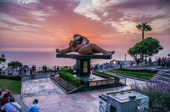 Sculpture of a couple kissing in Lima - Peru royalty free stock photos