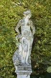 Sculpture dans le jardin formel Photos libres de droits