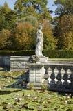 Sculpture dans le jardin formel Image libre de droits