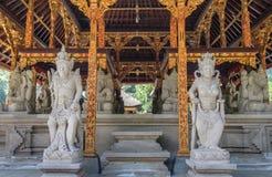 Sculpture dans le tampak engendrant, Bali Indonésie Photos stock