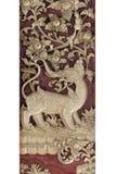 Sculpture de découpage en bois de long cheval de nez au milieu de forêt de ciel dans la représentation de Ramakien, ouvrant le pr Photos stock