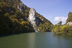 Sculpture de Decebal sur le Danube Images stock