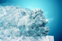 Sculpture de lion chinois, dol de découpage en pierre traditionnel antique Photo libre de droits