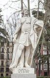 Sculpture de Ramiro I d'Aragon chez Plaza de Oriente, Madrid, station thermale Photographie stock libre de droits