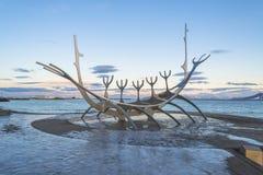 Sculpture de Solfar ou de Sun Voyager à Reykjavik photos libres de droits