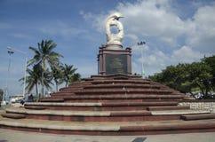 Sculpture of dolphins on the waves monument in Laem Thaen Capeat Bang Saen Beachon in Chonburi, Thailanda stock photo