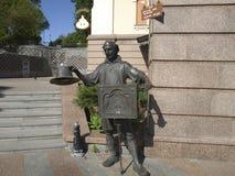 Sculpture du héros du conte de fées de Pinocchio photos stock