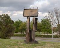 Sculpture en acier par le jardin de sculpture en dans l'abstrait de George Tobolowsky du musée de l'art biblique à Dallas, le Tex photo libre de droits