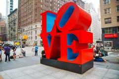 Sculpture en amour à la cinquante-cinquième rue à New York Photo stock