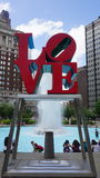 Sculpture en AMOUR à Philadelphie Images stock