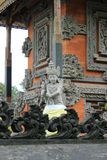 Sculpture en ange gardien au temple hindou de Bali Photos libres de droits