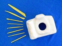 Sculpture en appareil-photo avant raffiné en sculptant des outils Image stock