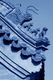 Sculpture en bête dans les gouttières dans un temple, Chine photographie stock libre de droits