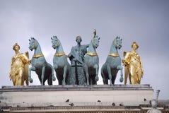 Sculpture en bleu et en or Image stock