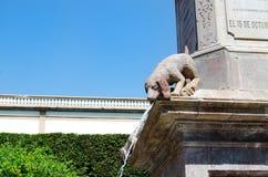 Sculpture en chien Photographie stock libre de droits