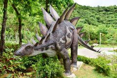 Sculpture en dinosaure Photos libres de droits
