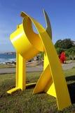 Sculpture en embrayage par la mer Image libre de droits