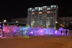 Sculpture en glace d'un dragon Image stock