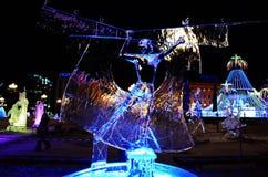 Sculpture en glace d'un dragon Photo stock